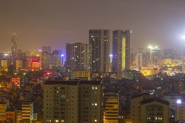 skyline di hanoi di sera