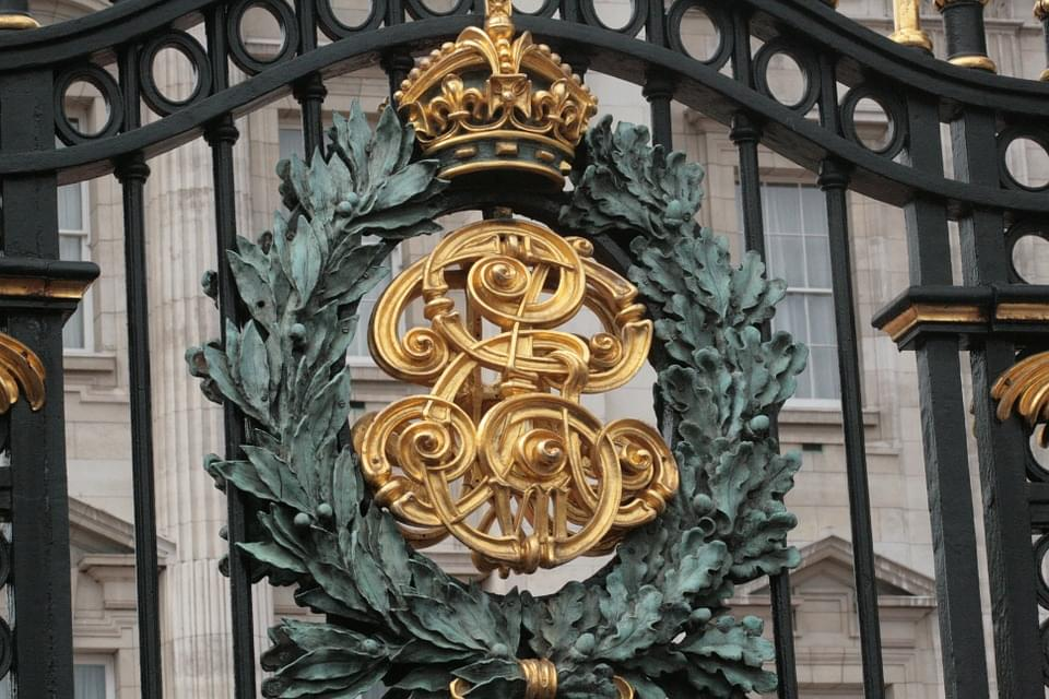 il sontuoso cancello di buckingham palace