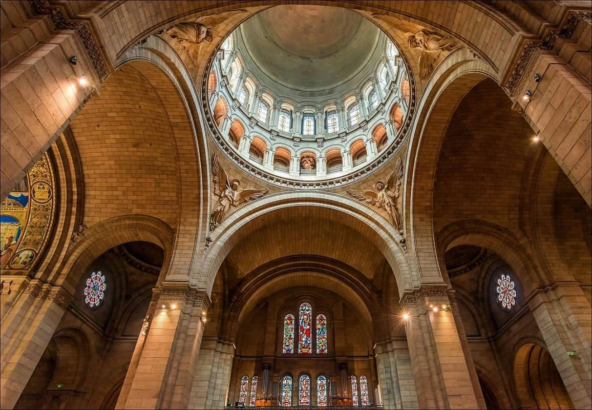 interno basilica sacro cuore