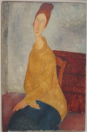jeanne hebuterne in maglione giallo