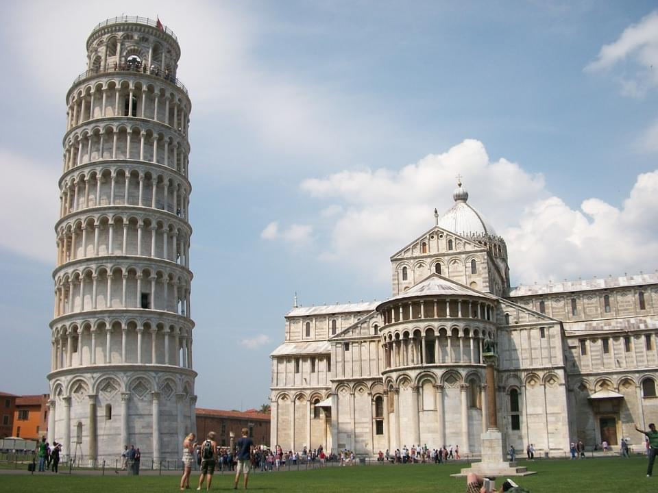 la celeberrima torre di pisa