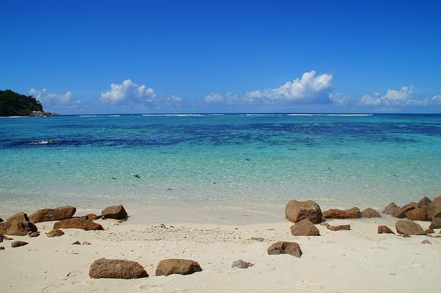 mare spiaggia praslin