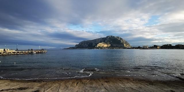 mondello spiaggia palermo sicilia