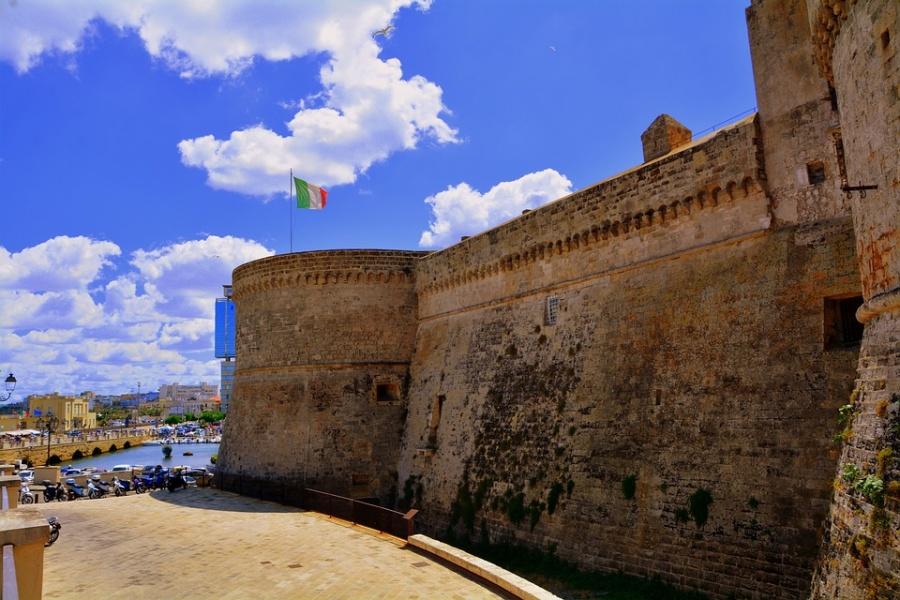 muro del castello gallipoli