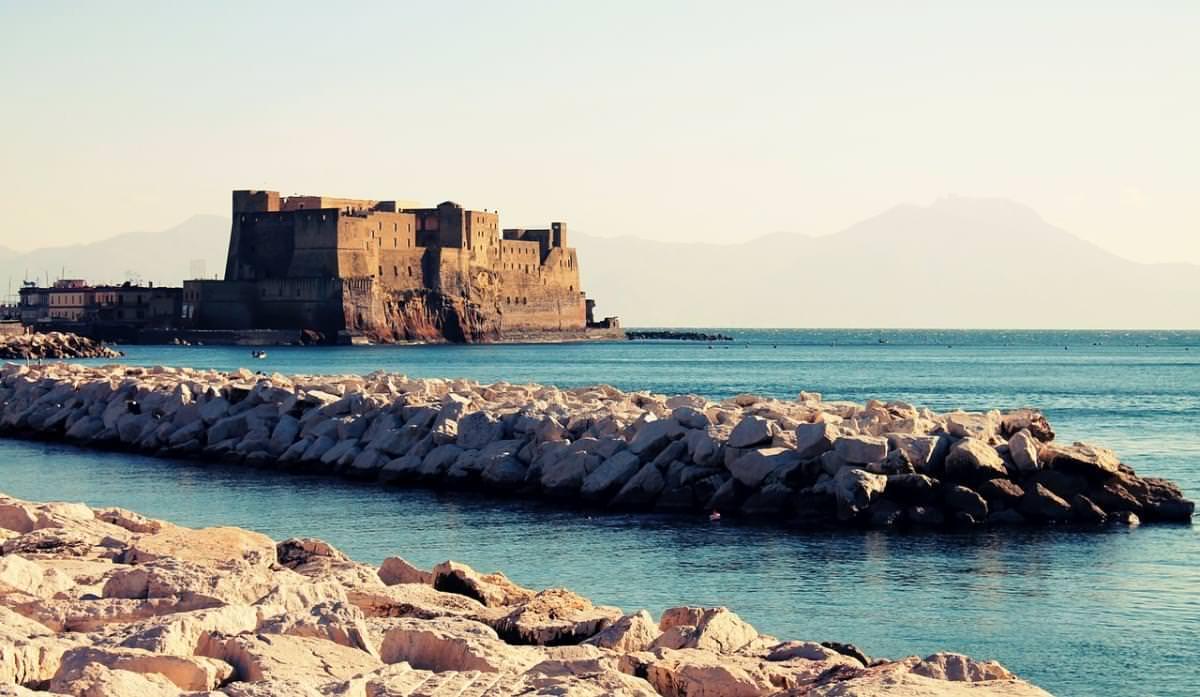 napoli castello mare
