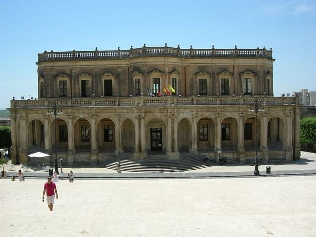 noto palazzo ducezio facciata