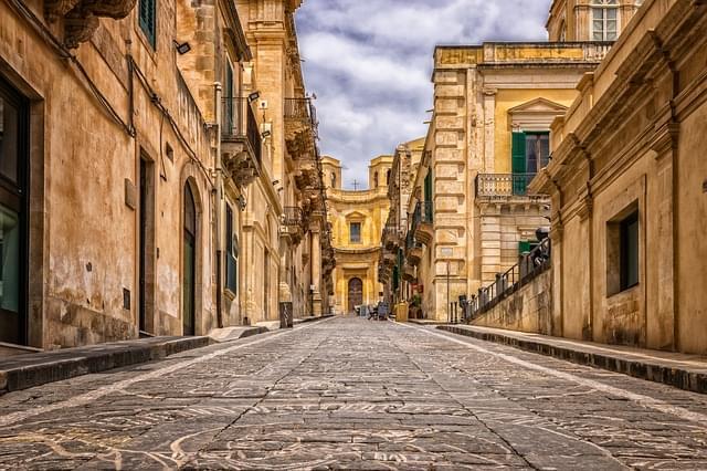 noto strada verso la cattedrale