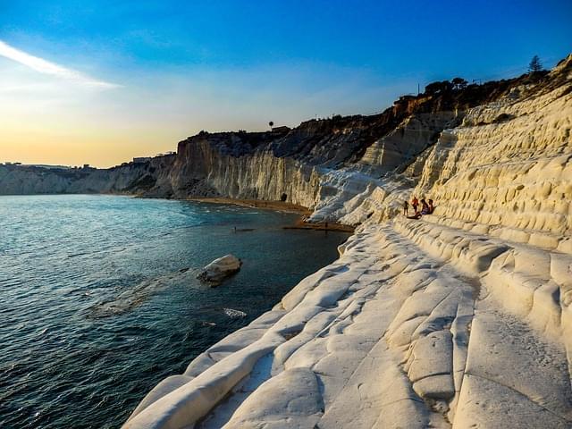 paesaggio natura scogliera bianca