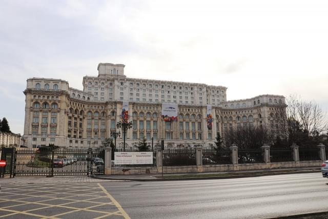 palazzo volkspalast bucarest 1