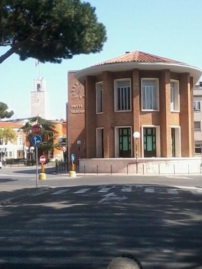 palazzo delle poste latina