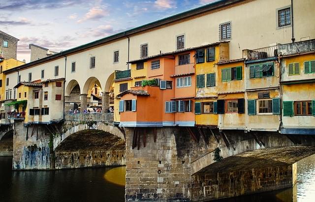 panoramica di ponte vecchio firenze