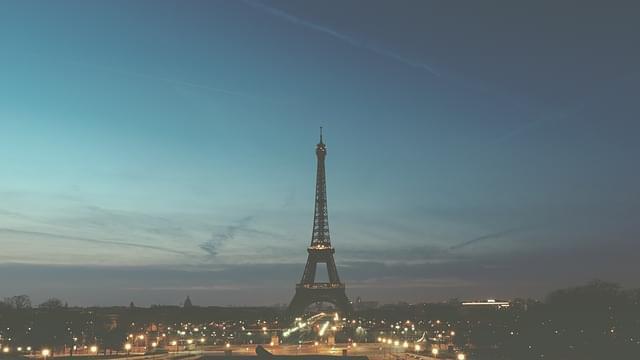 panorama tour eiffel di sera