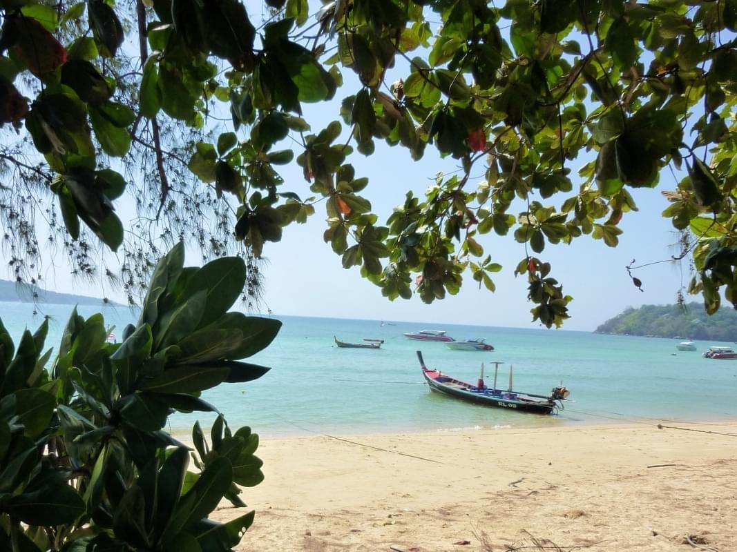 phuket spiaggia di rawai