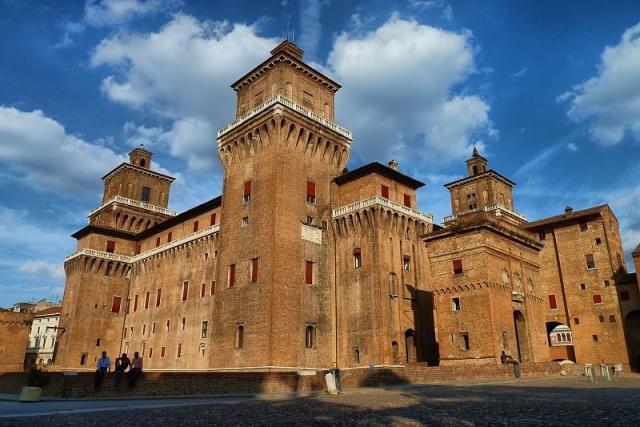 piazza castello ferrara