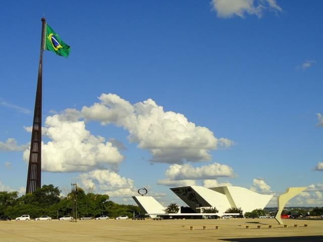 piazza dos tres poderes brasilia