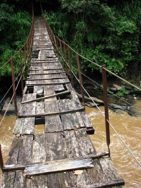 ponte di kotmale oya