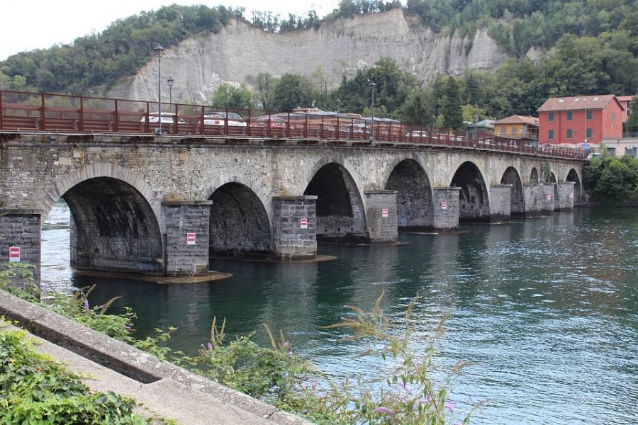 bridge azzone visconti