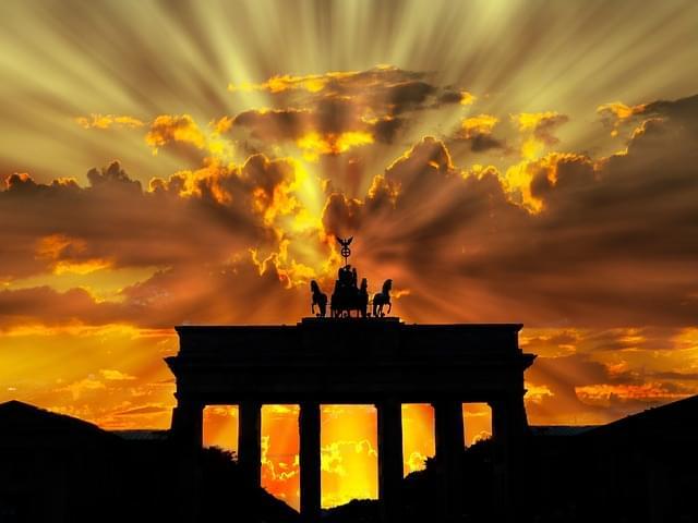 porta di brandeburgo tramonto