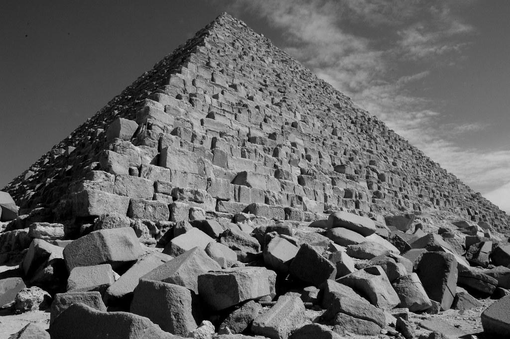 4 piramide di micerino