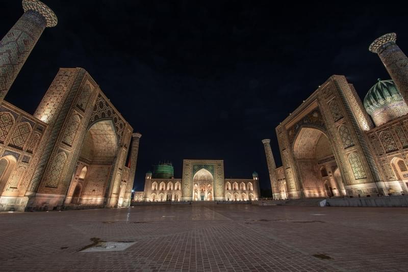 registan piazza notturno samarcanda uzbekistan 1
