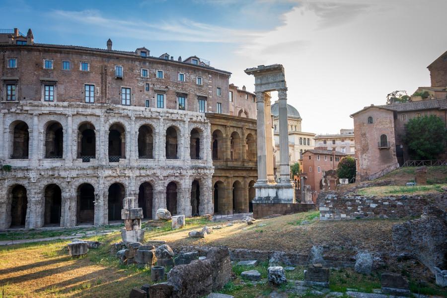 Una coppia al Colosseo