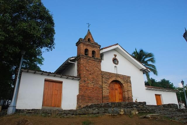 san antonio facciata chiesa