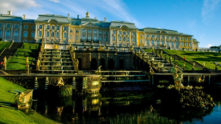 fontane di peterhoff a San Pietroburgo