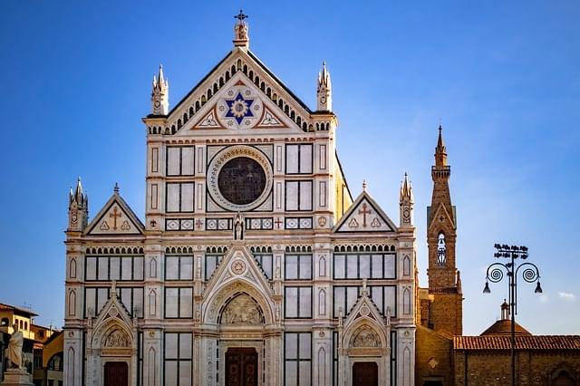 facciata della basilica di santa croce a firenze
