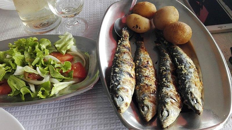 8 sardinhas assadas