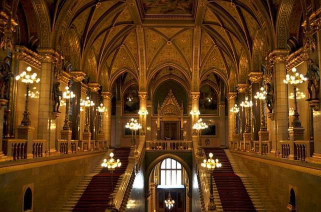 scala donore parlamento budapest