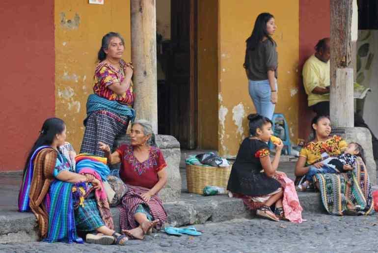 scene di vita antigua guatemala