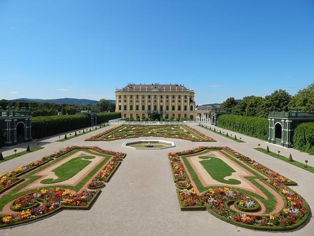 schoenbrunn giardino vienna 1