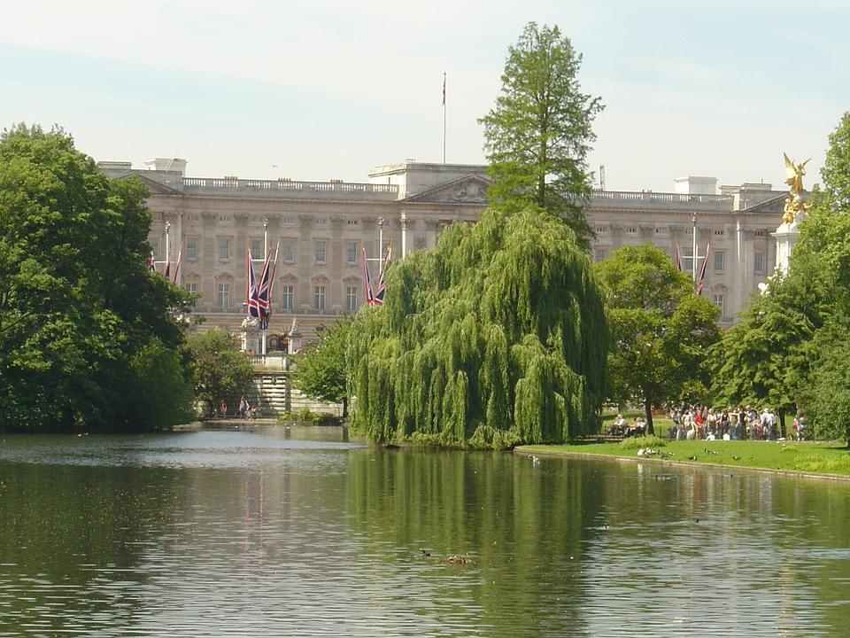 scorcio naturalistico di buckingham palace