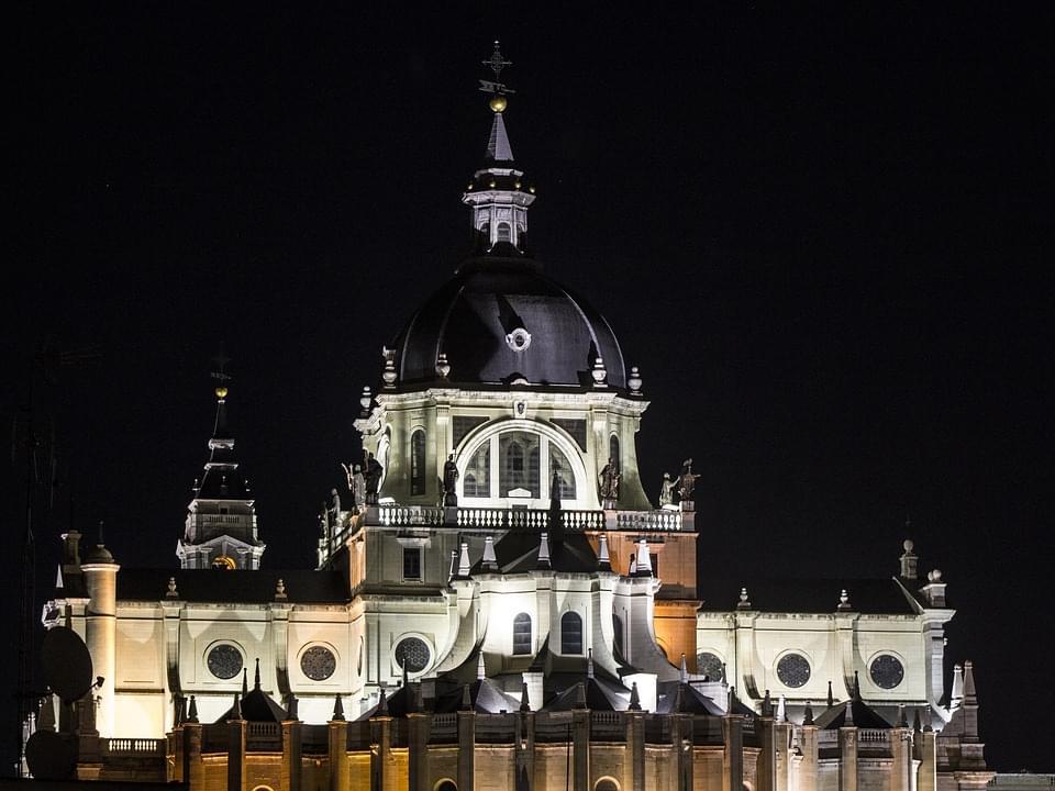 scorcio notturno della cattedrale