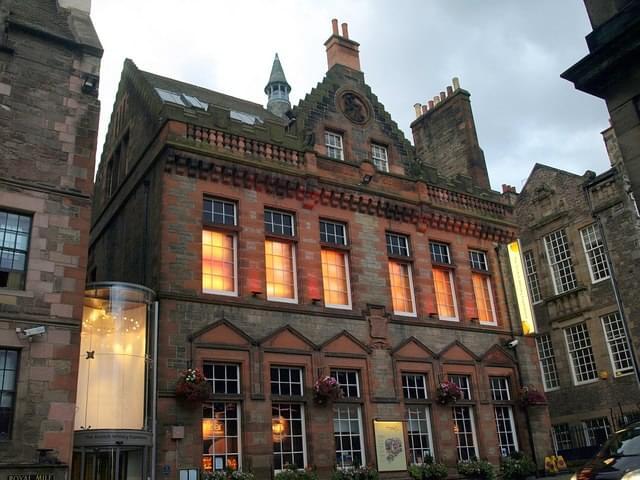 un viaggio nel mondo del whisky, lo scotch whisky heritage centre