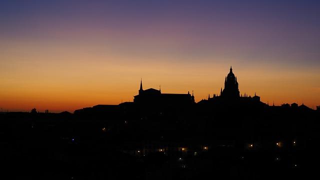 segovia silhouette notte tramonto