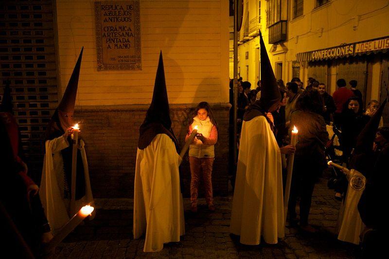processione di pasqua nella cattedrale di siviglia