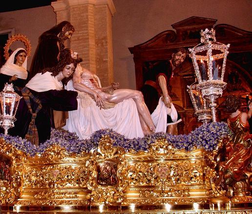 processione di Cristo nella cattedrale di Siviglia