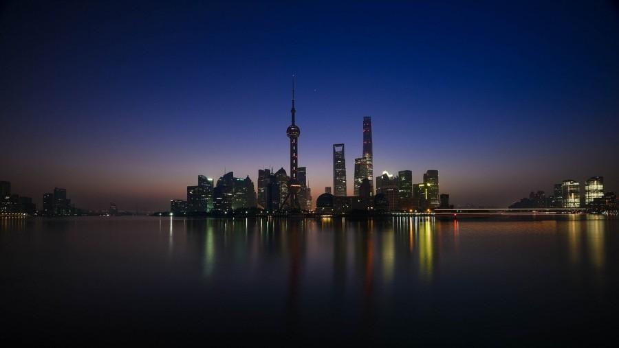 skyline di Shanghai visto dal mare