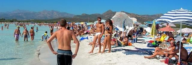 spiaggia di cala brandinchi sardegna