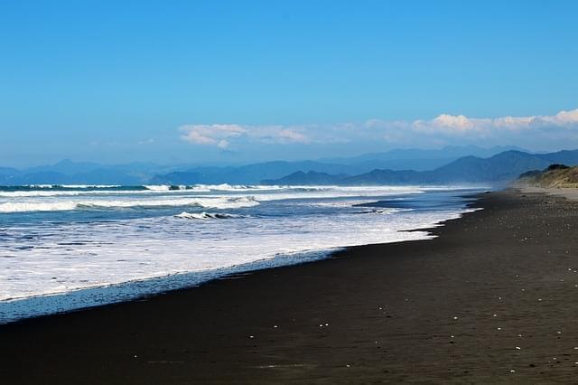 spiaggia sabbie nere vulcano