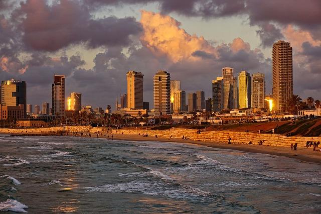 spiaggia tel aviv tramonto