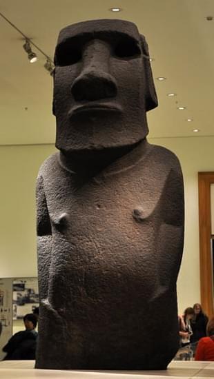 statua moai hoa hakananai a dell isola di pasqua