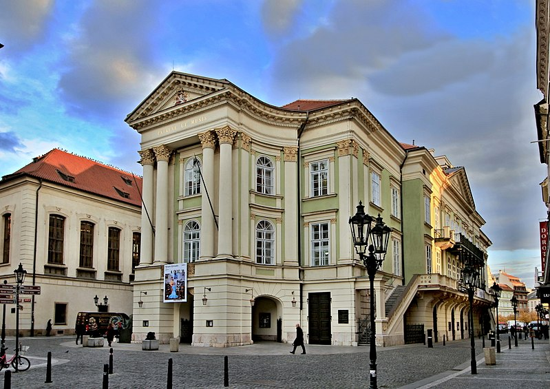 10 stavovske divadlo