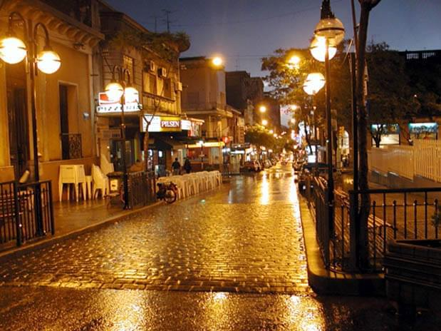 strada notturna salto uruguay