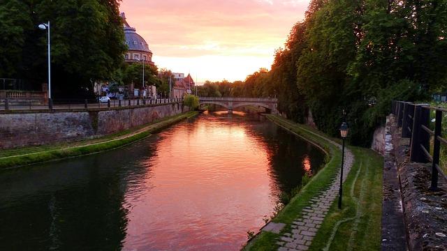 strasburgo francia tramonto fiume