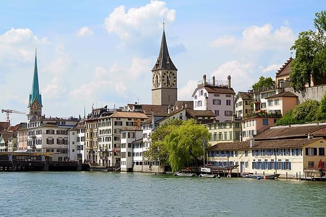svizzera zurigo limmat river