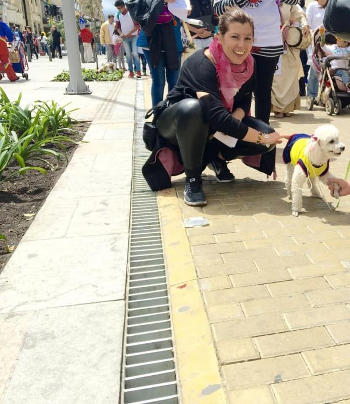 Roberta: Il cane colombiano e il suo padrone