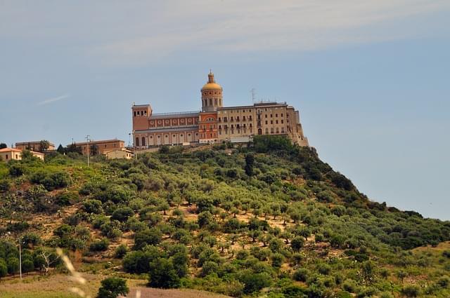 tindari vista sul monastero