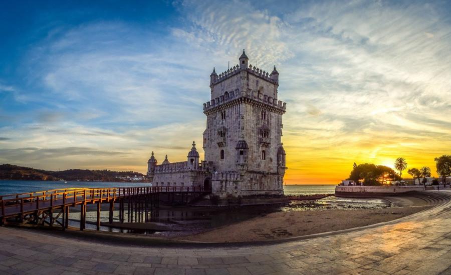 torre di belem al tramonto lisbona